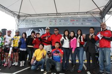 Driving the Wheels—Heavy Motorbike and Bicycle Carnival in Taichung(2009-03-26)
